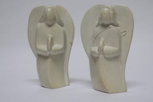 Speckstein, Engel, h~10cm, betend