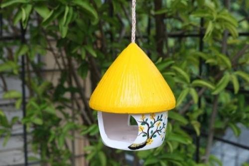 Vogelhaus, gelb